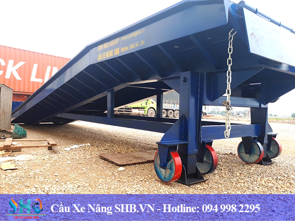 Cầu dẫn container 8 tấn
