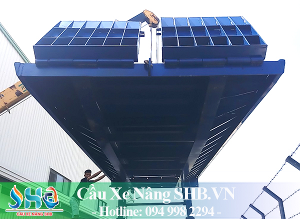 Cầu dẫn container 10 tấn